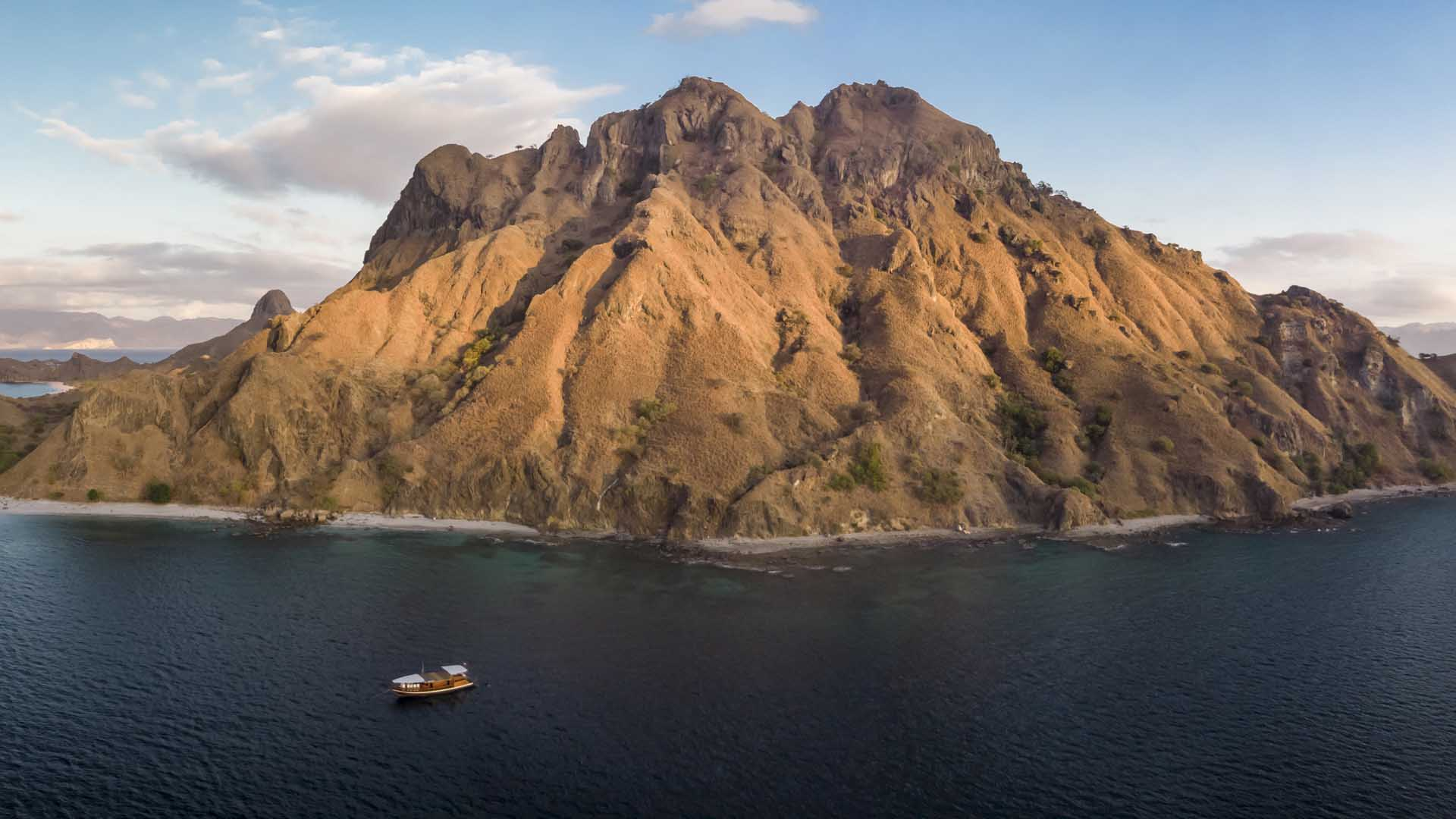 Padar Morning MII Boat Panorama I